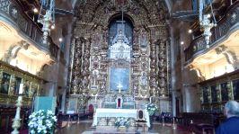 Vergulde altaren in Sé Nova kathedraal