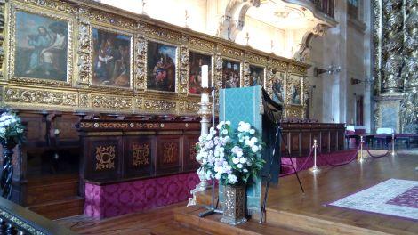 Sé Nova, teak houten koorbanken met replica's van oude meesters